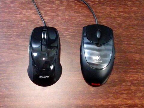 ZM-M200(左)とG3LS(右)
